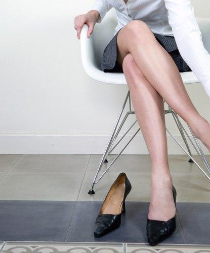 Болит косточка на ноге около большого пальца: что делать