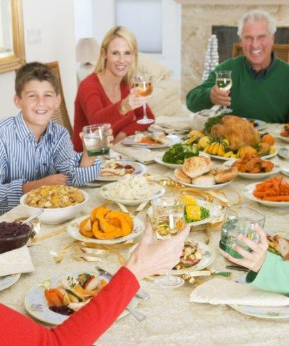 Как развлечь гостей за столом на дне рождения взрослого