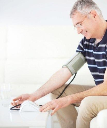 Какой должен быть пульс и давление у человека в 60 лет